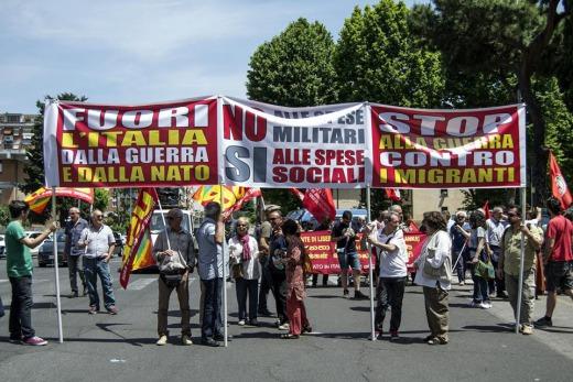 """Un """"Picchetto"""" contro la guerra in Libia"""