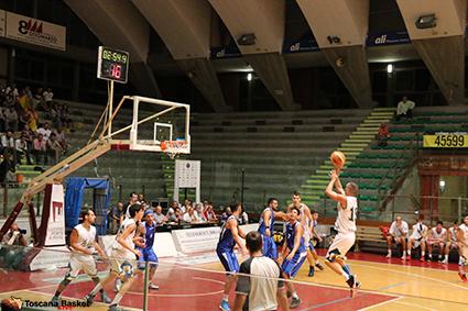 Basket: la Libertas si aggiudica il derby