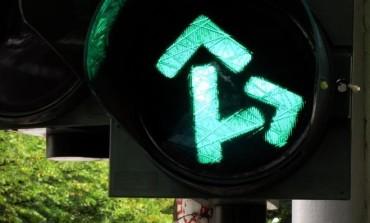 In funzione il semaforo in via della Meridiana