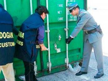 Porto, tonnellate di droga tra gli ananas: 33 arresti