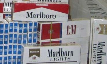 Tenta di rapinare sigarette, fermato da un passante
