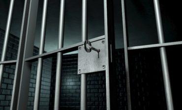 Evade dal carcere omicida in permesso