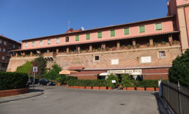 Posteggiatore abusivo davanti all'hotel Granduca: denunciato