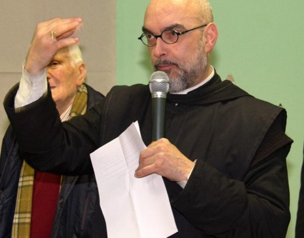 Don Luca Giustarini torna a Montenero