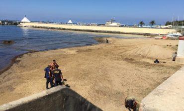Rimosse le barche sulla spiaggia del Felciaio