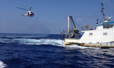 Ferito al largo della Capraia, soccorso dall'elicottero