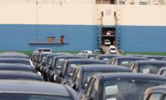 In porto è boom di auto nuove