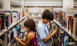 In biblioteca i compiti da svolgere a casa