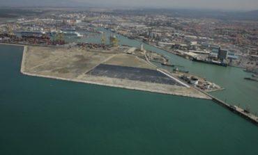 Porto: esposto sugli sprechi