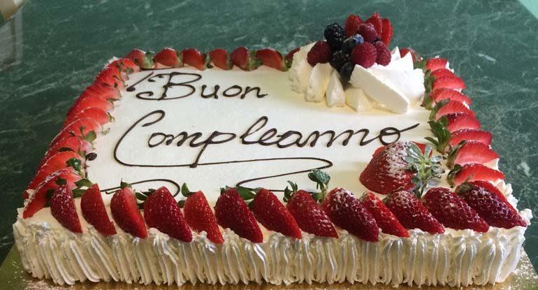 Auguri a gina per i suoi 102 anni livorno 24 - Colorazione pagina della torta di compleanno ...