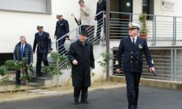 Il Vescovo in visita alla capitaneria di porto