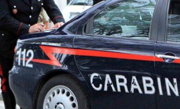 Davanti alla scuola con la cocaina: denunciata sessantenne