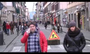 Nuovi gettarifiuti in via Ricasoli (Video)