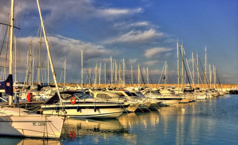 Sequestrata barca in porto per contrabbando amministrativo