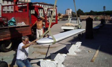 In scooter sulla panchina. Oltre 10mila euro il danno