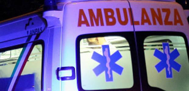Via Goito: scontro all'incrocio, feriti tre scooteristi
