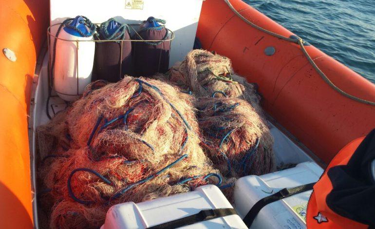 Sequestrata rete da pesca priva di segnalazioni