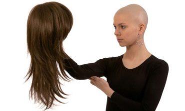 Parrucche per patologie oncologiche, contributi fino a 300 euro