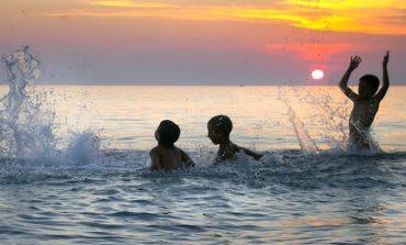 Grave bimbo di 9 anni ferito in mare