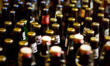 Vende birra fuori orario, chiuso supermarket