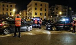 Ruba su un'auto e un camper in sosta: arrestato marocchino