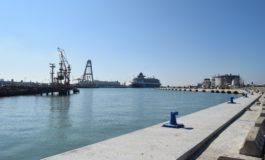 Porto: banchina per navi da 200 metri alla Darsena Petroli