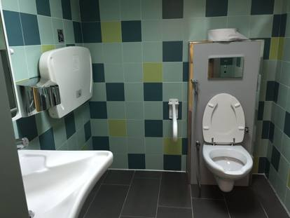 Plafoniere Bagno Particolari : Tre nuovi bagni pubblici in città i particolari livorno