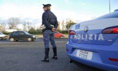 Punta la pistola carica contro la polizia: arrestato