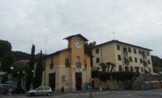 Montenero: abbandona sacchetti dei rifiuti, multa da 600 euro