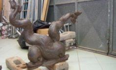 Delfini di Ardenza, via ai lavori per la collocazione a Palazzo Comunale