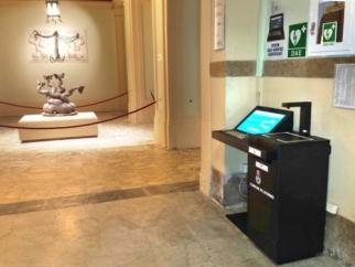 Un totem per i certificati anagrafici è in funzione nell'atrio del Palazzo Comunale