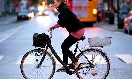 """Aci: ancora molte insidie sulle strade cittadine. """"Ciclisti e pedoni indisciplinati"""""""