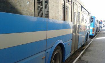 Atto vandalico a bordo di un bus extraurbano