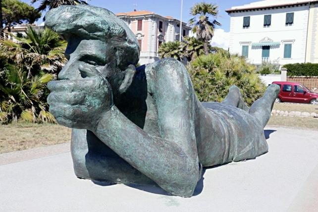 Statua il Pescatore riconsegnata alla città