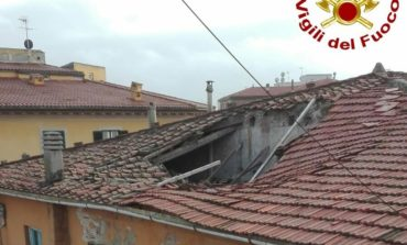 Sprofonda il tetto dell'ex sede Godzilla