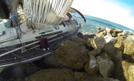 Mistero alla Meloria. Barca a vela s'incaglia, recuperato naufrago francese