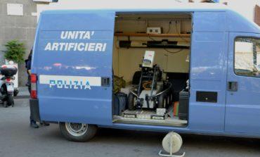 Paura per un presunto pacco bomba in piazza Roma
