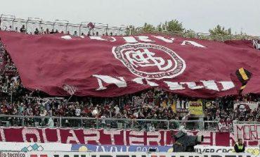Denunciati 23 tifosi amaranto per scontri con la polizia