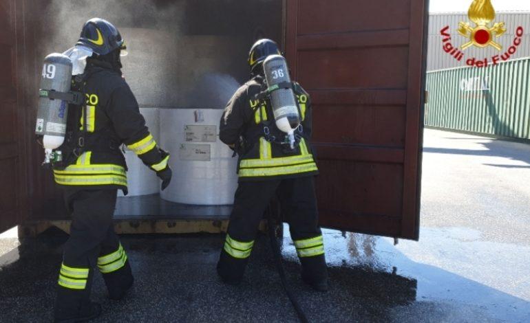 """Scoppia incendio in via delle Cateratte, per fortuna niente di grave. Arpat: """"Finestre chiuse"""""""