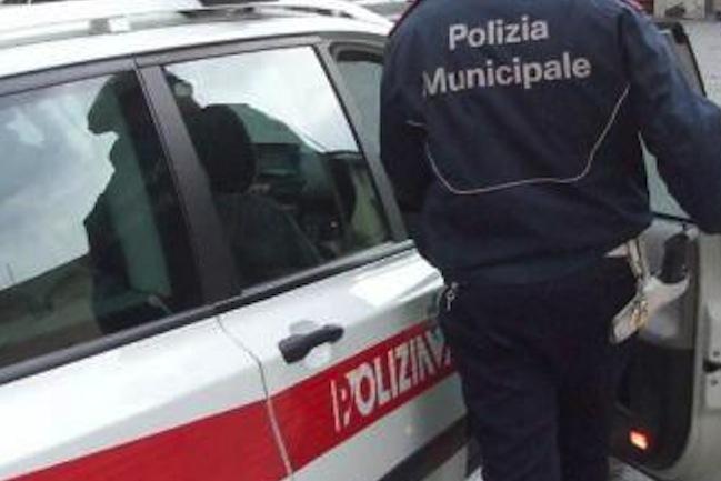 Polizia municipale, 170 manganelli in dotazione agli agenti