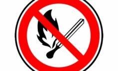 Vietato accendere fuochi e bruciare scarti vegetali