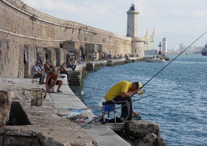 Malore al Molo Novo: salvato bagnante