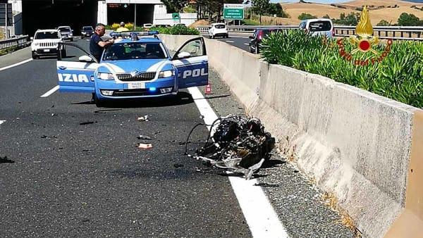 Schianto in autostrada: due feriti