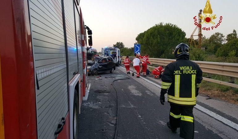 Maxi incidente sull'Aurelia a Cecina.10 i feriti