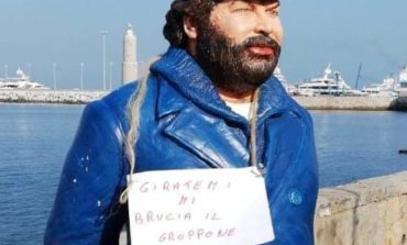 Rimossa dal lungo mare la statua di Bud Spencer