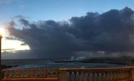 Meteo, codice arancio in Toscana: vento forte e mareggiate