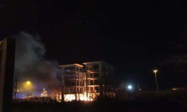 Incendio nella notte in via della Cinta Esterna