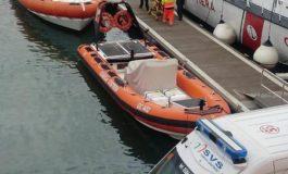 Affonda imbarcazione, salvati due livornesi