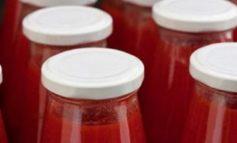 Petti, il gip conferma il sequestro delle passate di pomodoro