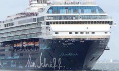 Porto, vaccinati 300 marittimi a bordo della nave da crociera Mein Schiff 2